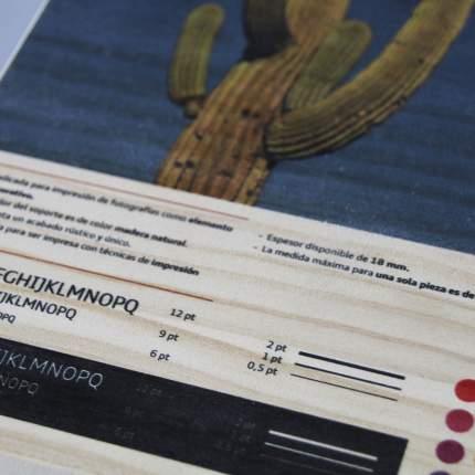 Impresión en madera de pino detalle 1